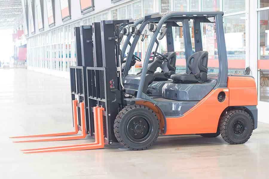 hydraulic lifts for forklift maintenance